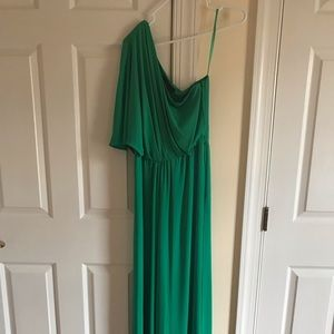 Used In excellent condition, off shoulder jumpsuit